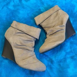 New Unlisted Wedged Booties Size 8.5